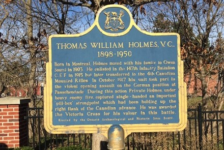 Thomas William Holmes plaque